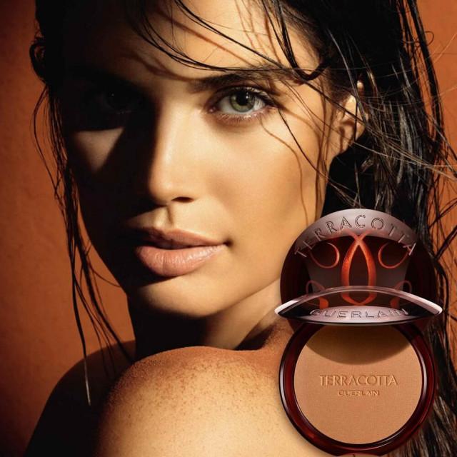 Terracotta La Poudre Bronzante   96% d'ingrédients d'origine naturelle